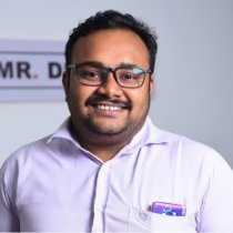 Praveen, graphic designer at Mr Digital Marketing Agency